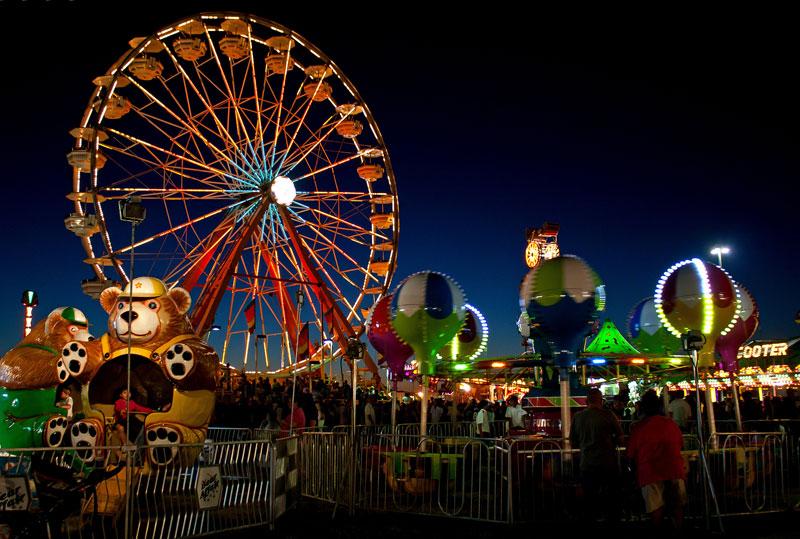 Ferris-Wheel-Carnival-Lights-at-night