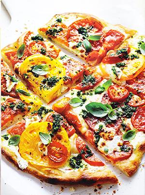 Fresh Mozzarella, Heirloom Tomato & Basil Pizza